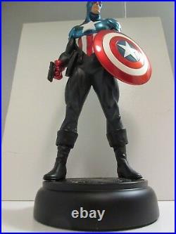 Bowen Bucky as Captain America Statue and Box Marvel Universe Avengers