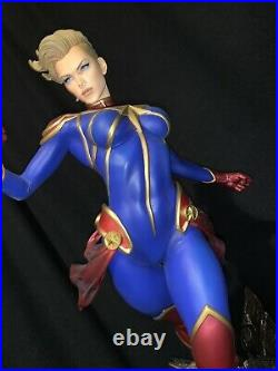 Captain Marvel Sideshow Premium Format Reg Edition