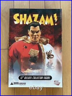 DC Direct Collectibles #12 13 Inch 1/6 Scale Series Captain Marvel Shazam Figure
