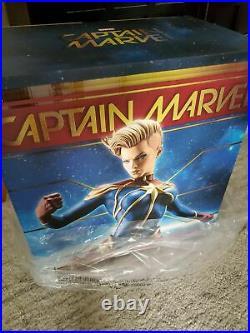 SIDESHOW EXCLUSIVE Captain MARVEL PREMIUM FORMAT FIGURE STATUE AVENGERS X-MEN Ms