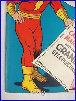 Whiz Comics #38 (X-Mas 1942 Fawcett) Shazam Captain Marvel Comic Book, Nice RARE